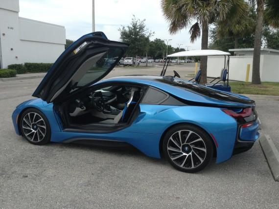 BMW i8 Blue 17
