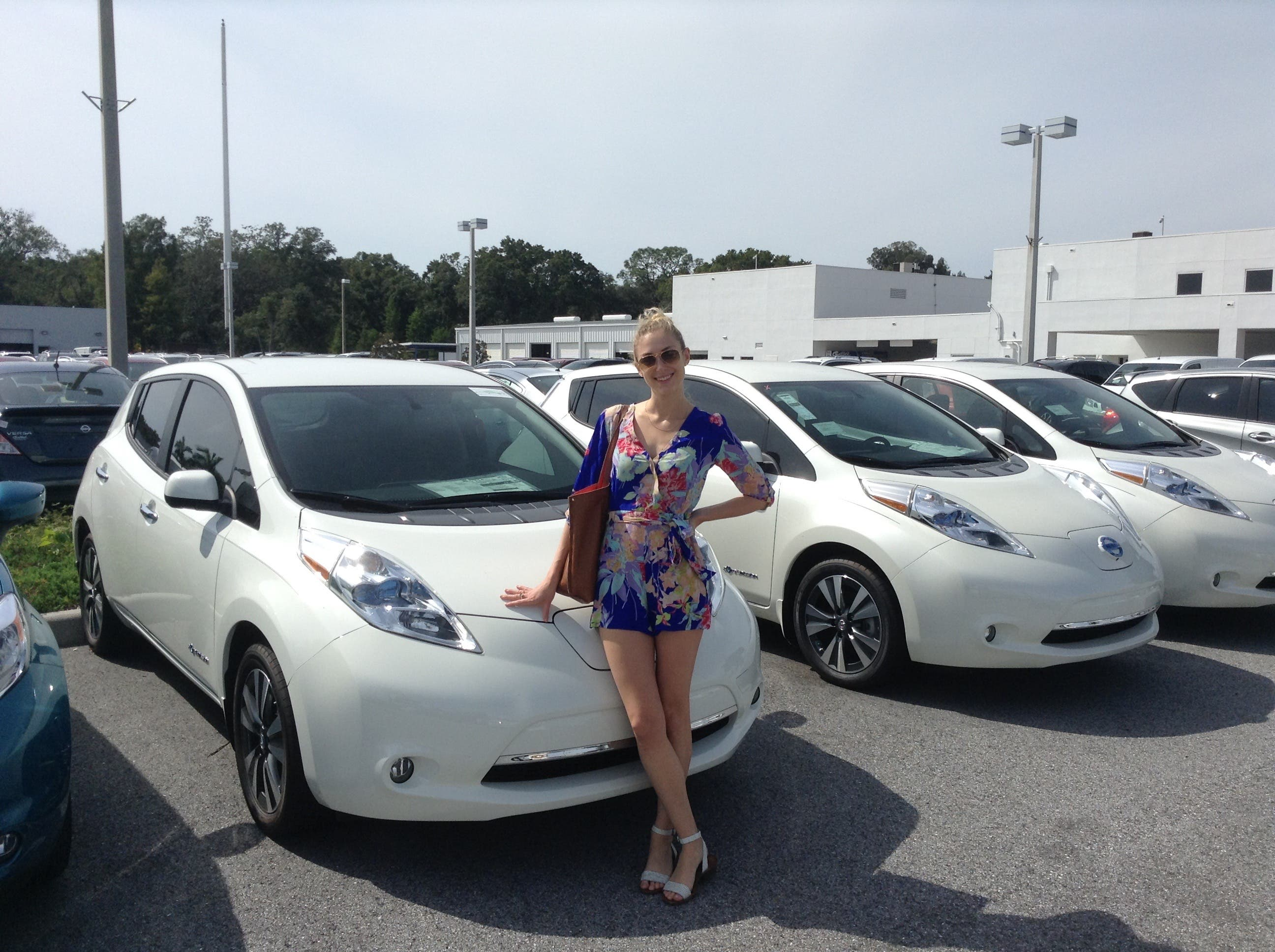 Nissan Leaf Chevy Volt Bmw Comparing Top Selling Electric