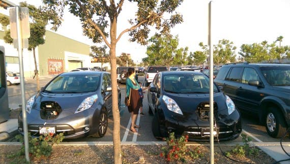 2015 dual Leaf Charging. Image credit: Kyle Field | CleanTechnica