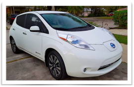 White Nissan LEAF