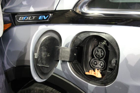 chevy_bolt_charging_port