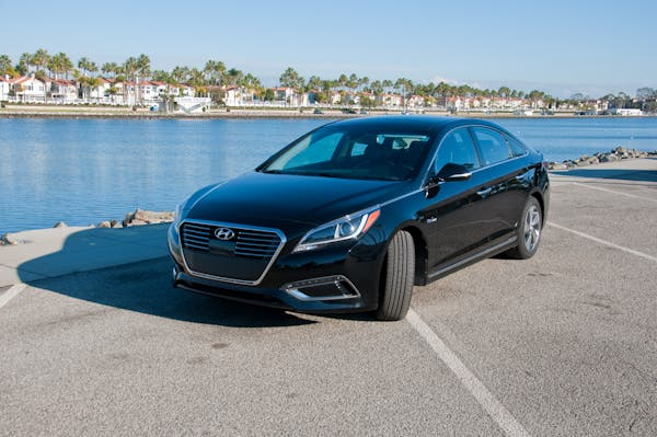 2016 Hyundai Sonata Plug In Hybrid Review You Can Have It All
