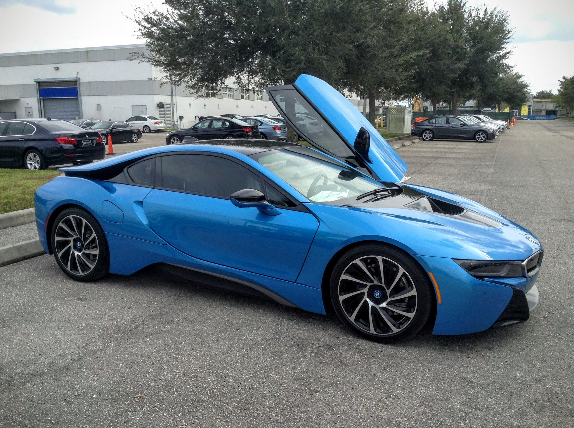 SecondGen BMW i8 Will Possess 750 Horsepower  300Mile Range