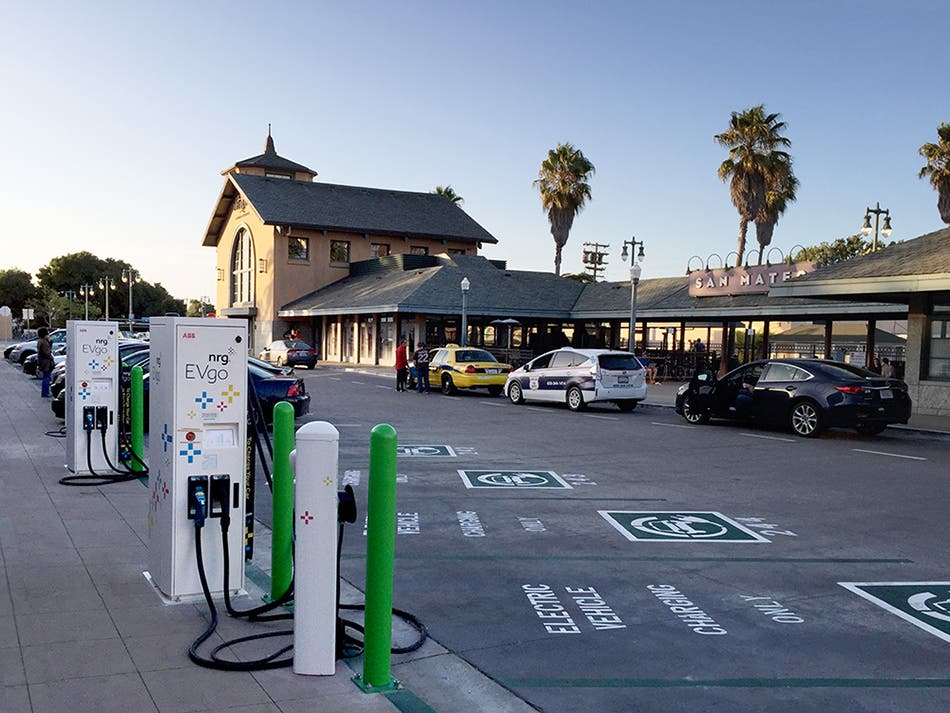 NRG Offloads EVgo Network Of Fast-Charging Stations To