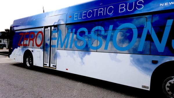 photo image Largest Electric Bus Order In Canada — New Flyer Wins Contract For 40 Electric Buses In Montréal & Laval