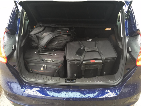 ford-focus-ev-trunk