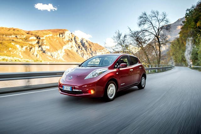 nissan leaf sales fastest growing in uk 39 s small family. Black Bedroom Furniture Sets. Home Design Ideas
