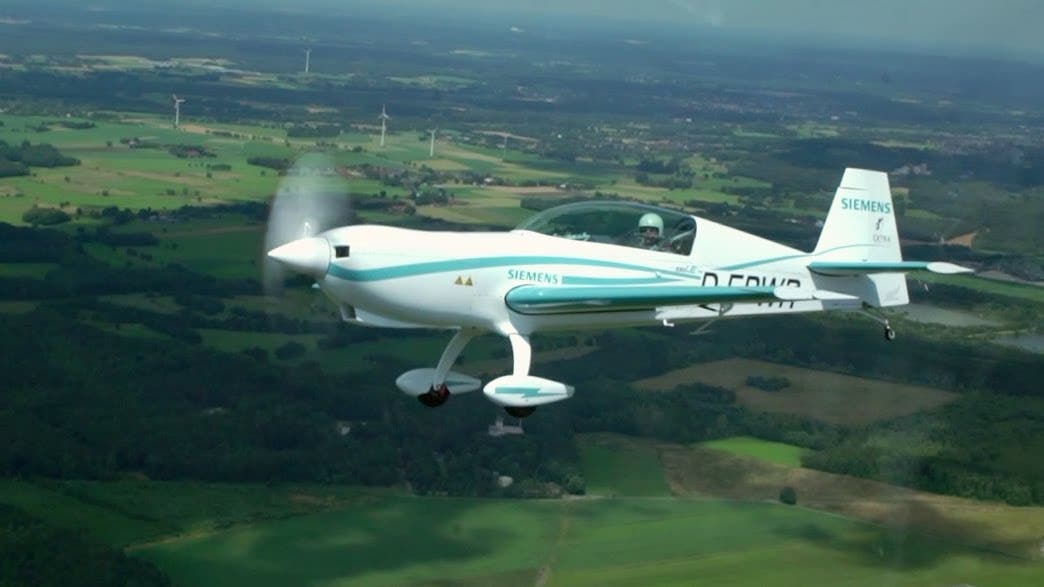 Electric Plane Using Siemens Motor Sets 2 New Speed
