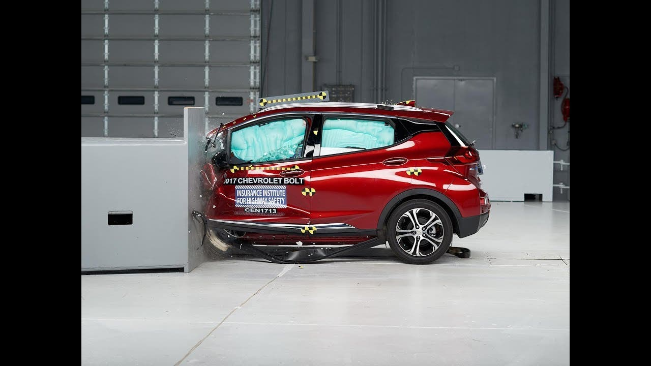 chevy bolt awarded with 2017 top safety pick by iihs cleantechnica. Black Bedroom Furniture Sets. Home Design Ideas