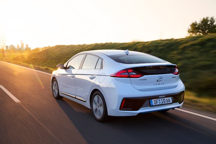 hyundai ioniq plug in hybrid on sale in the uk prices start at 24 995 cleantechnica. Black Bedroom Furniture Sets. Home Design Ideas