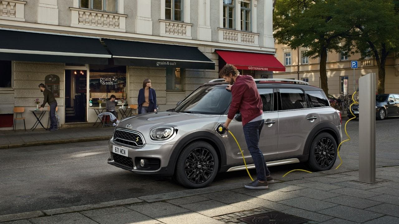 The Price Of Mini Countryman Phev Is Just 37 000 Which Not But Extremely Expensive Either Sure That S More Than A Base Tesla Model 3