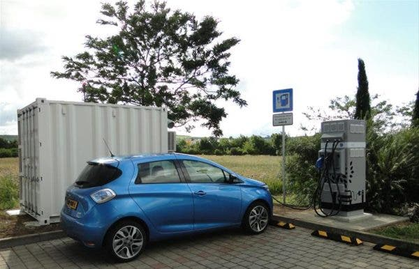 Batteries For Less >> Renault Second Life Batteries Bring Ev Charging To Less