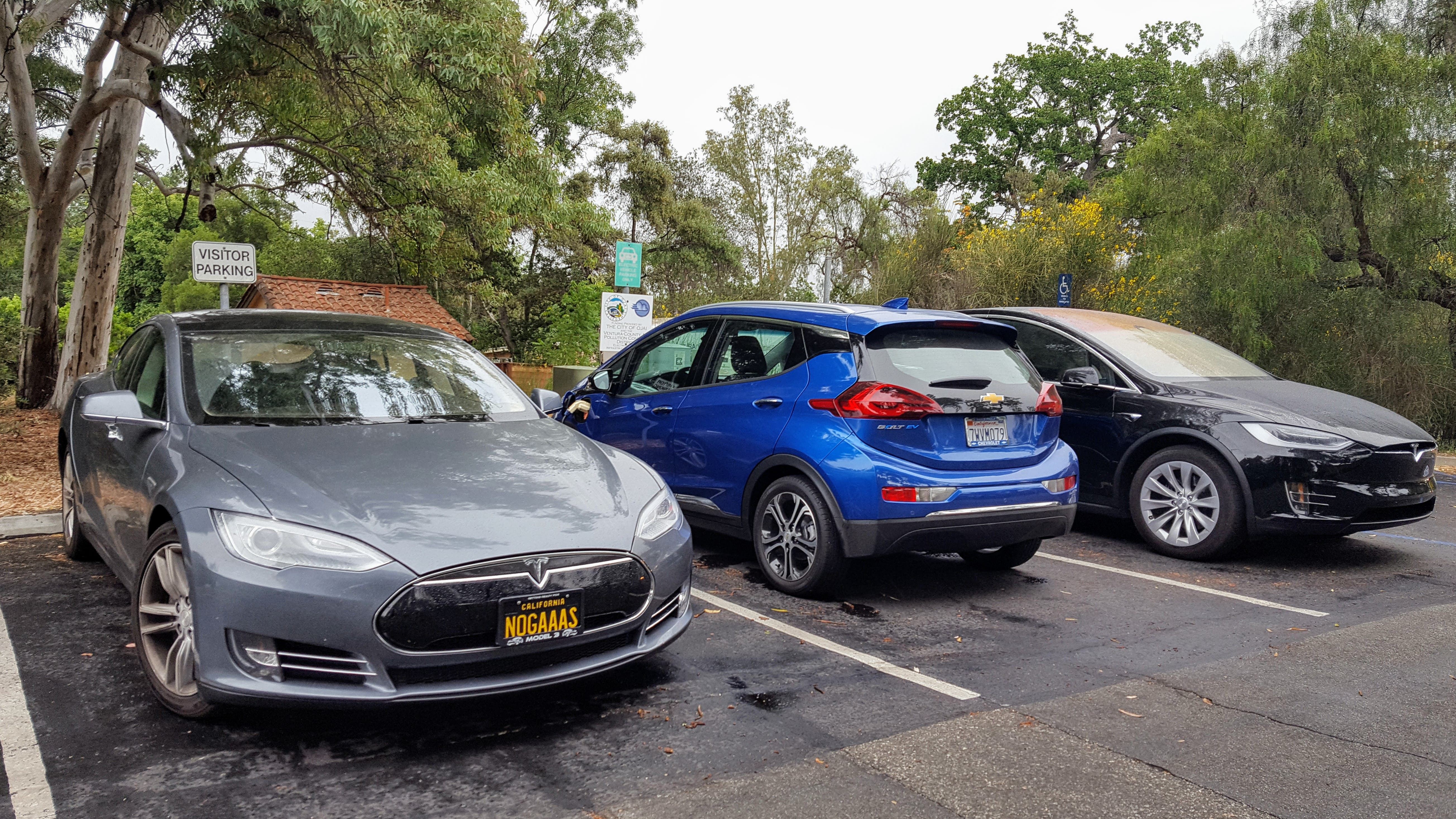 Plug-In Hybrids vs Fully Electric Vehicles At Public Charging ...