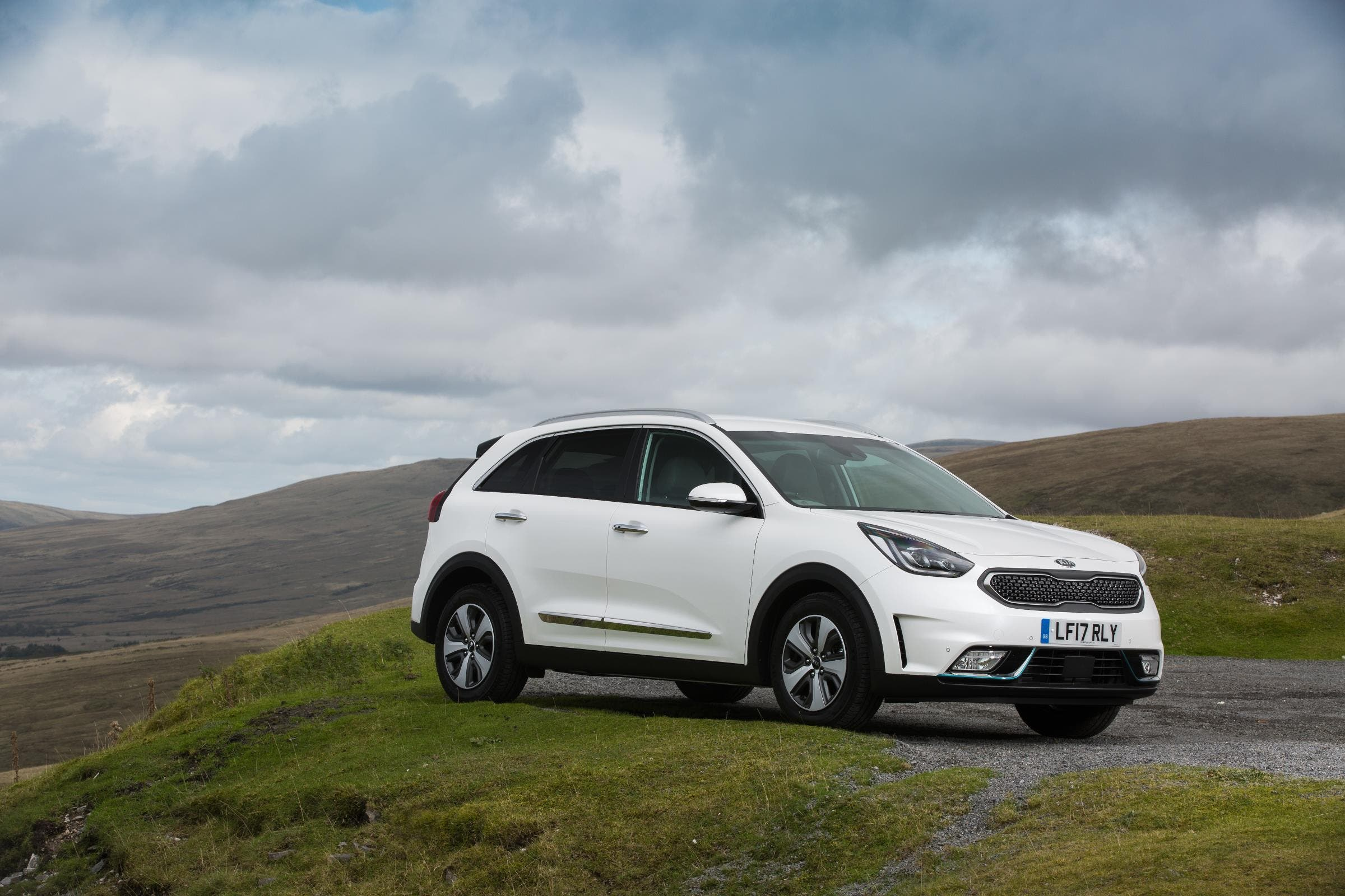 These Releases Follow The Earlier Release Of A Plug In Hybrid Phev Version Optima Meaning That Kia Now S 3 Diffe Models Uk