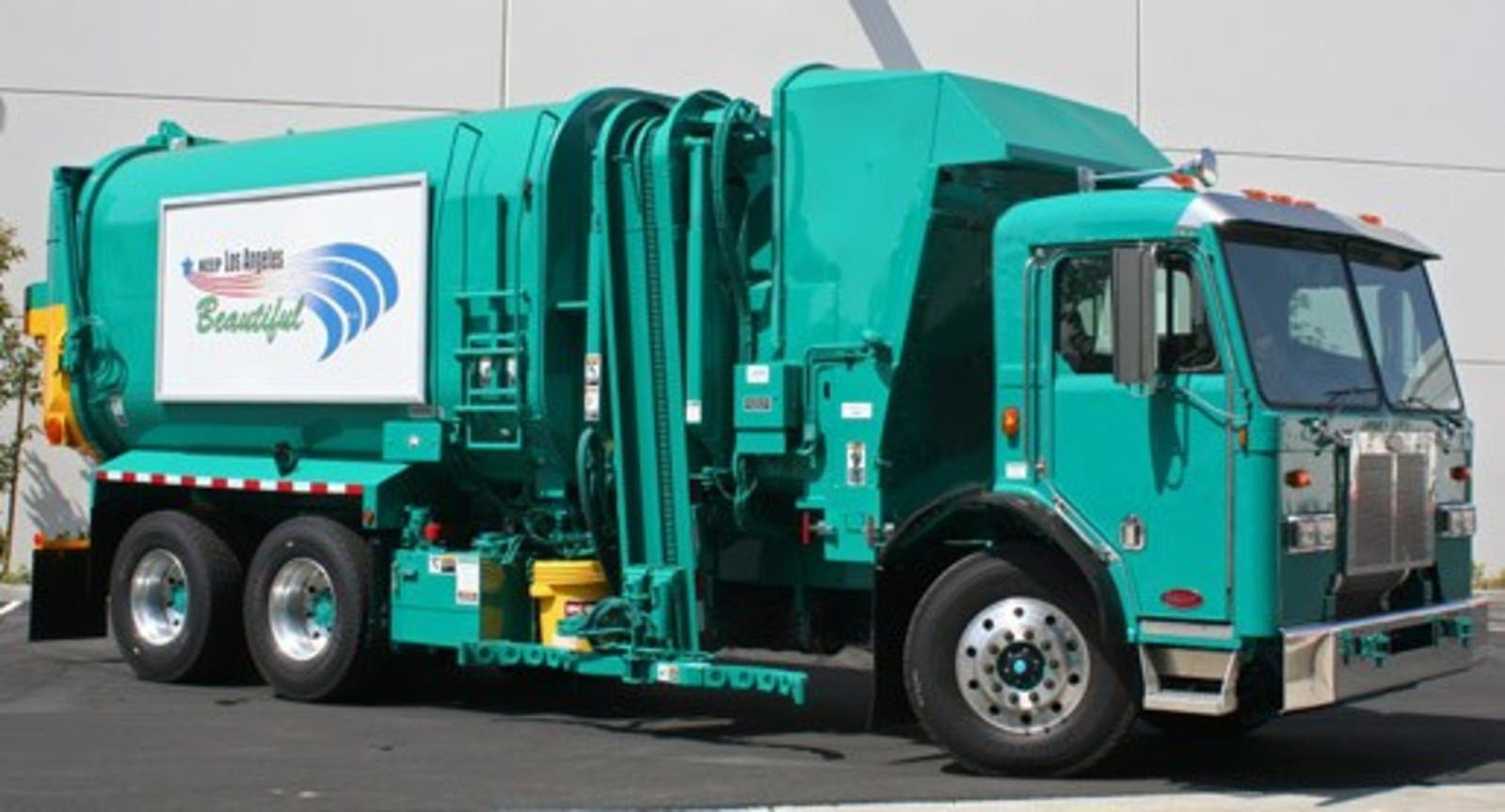 Motiv Power Systems Deploying 2 All-Electric Garbage Trucks In Los Angeles