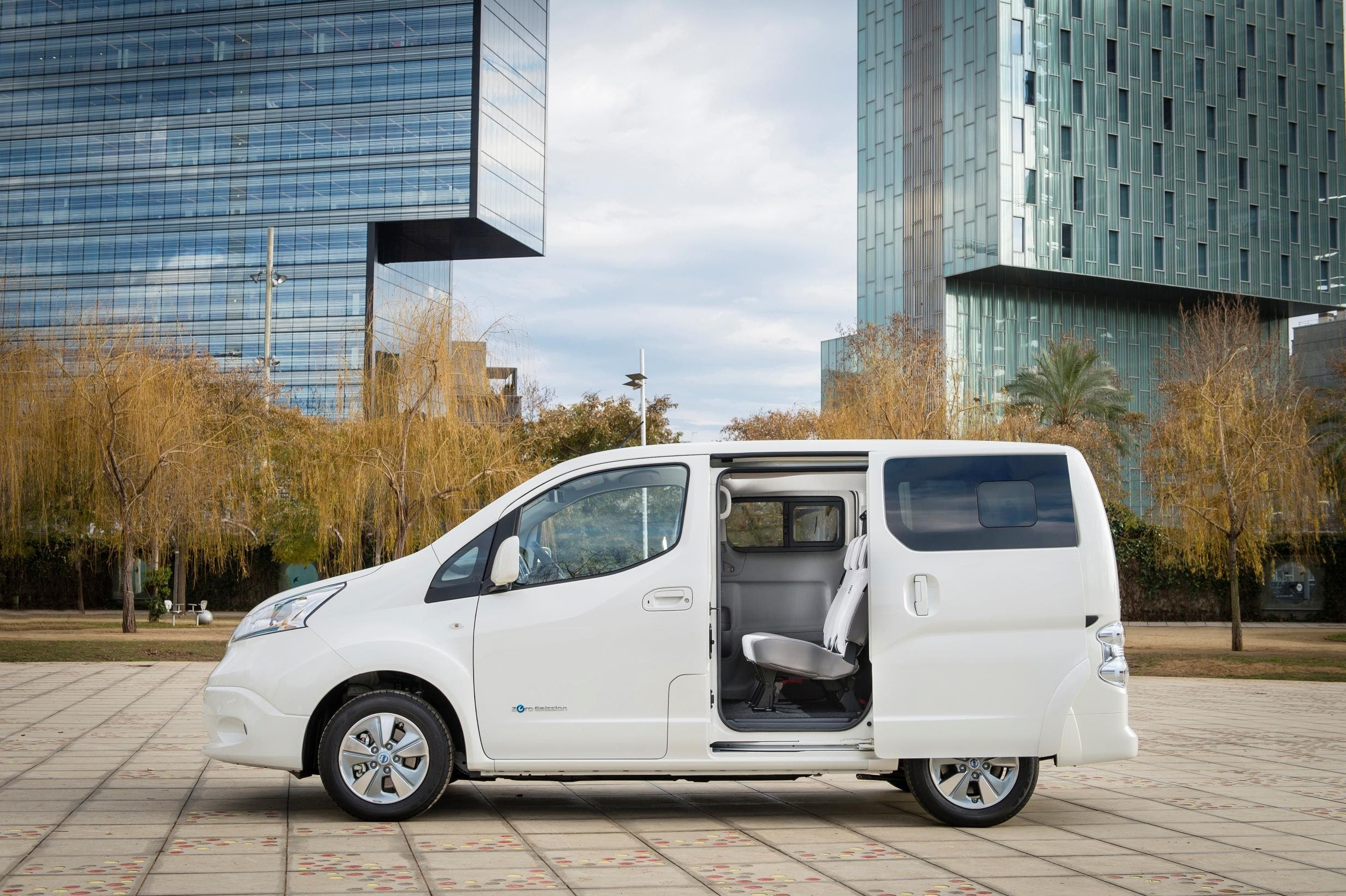 Nissan Now Taking Orders For Refreshed e-NV200 Electric Van — 40 kWh Battery Pack & Power Plug System Now Standard