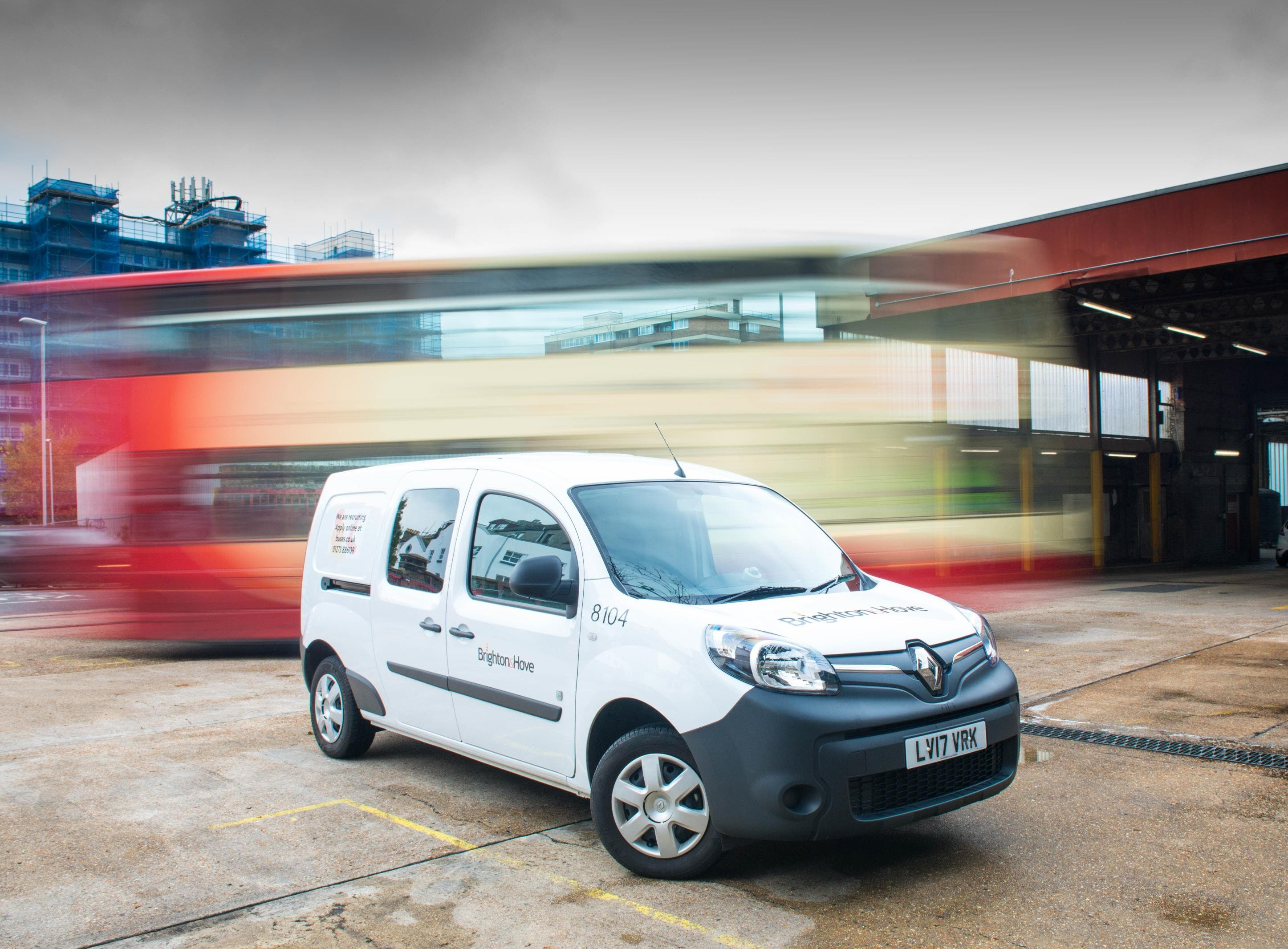 renault kangoo ze wins 2018 what van awards green award cleantechnica. Black Bedroom Furniture Sets. Home Design Ideas