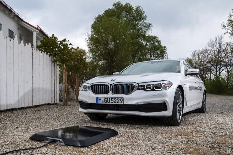 the us is finally getting bmw 39 s wireless charging system. Black Bedroom Furniture Sets. Home Design Ideas