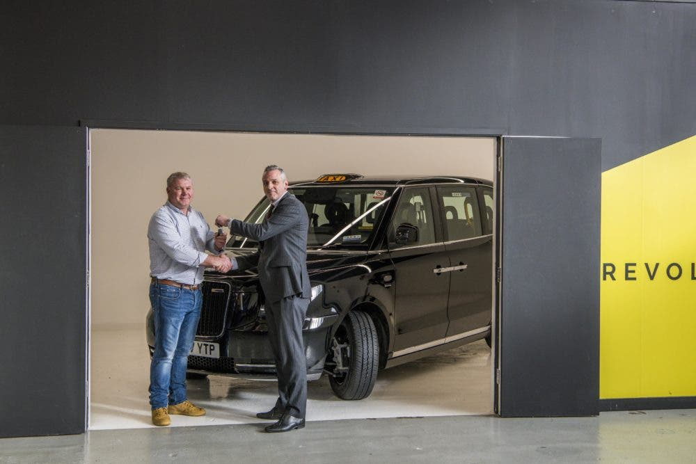 Cleantechnica Earlier Reported On The Taxi S Performance In Arizona London Company New Range Extended Electric Black Cab