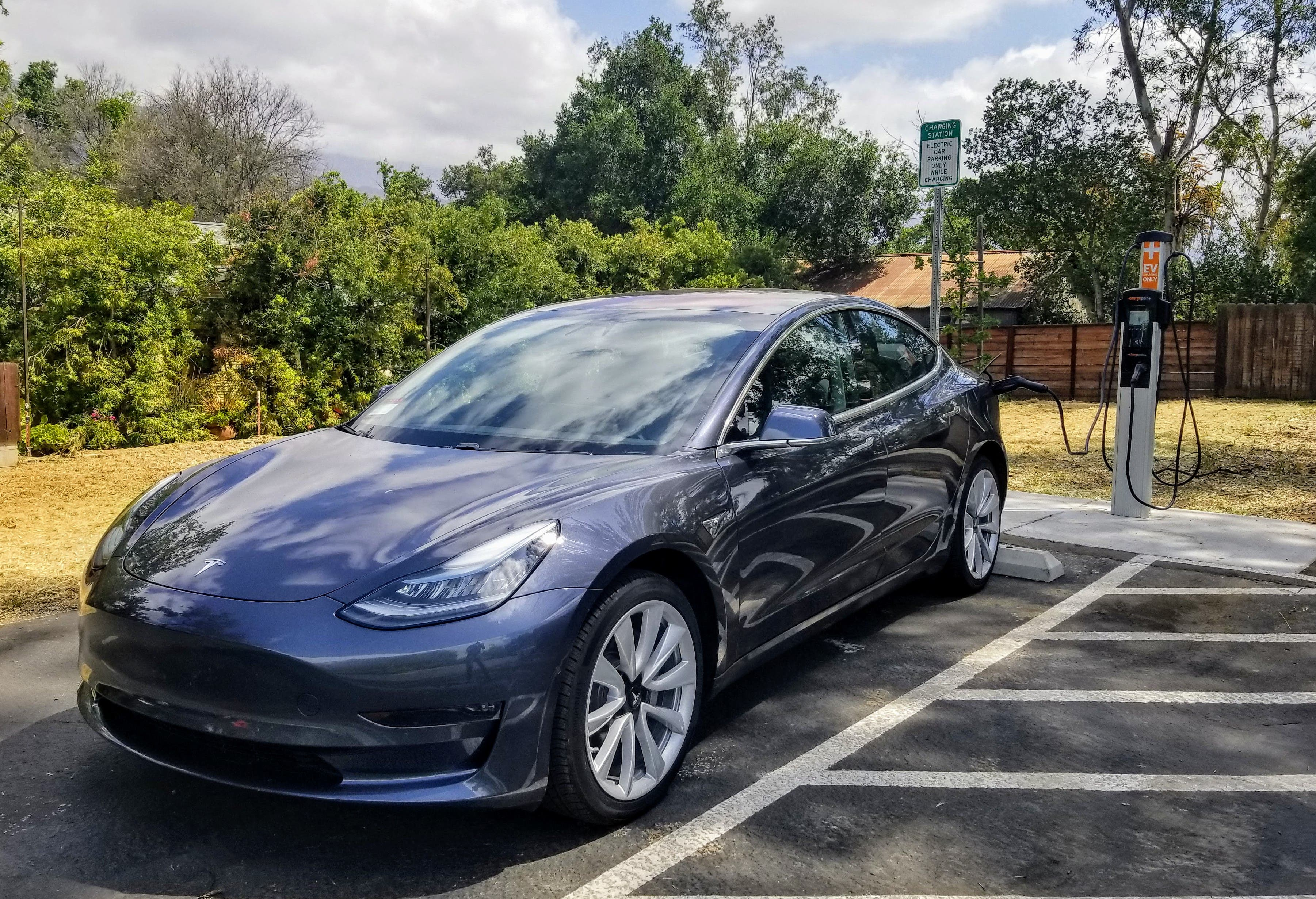 Tesla Model 3 vs Small & Midsize Premium Car Competition (New Sales Figures & Charts ...