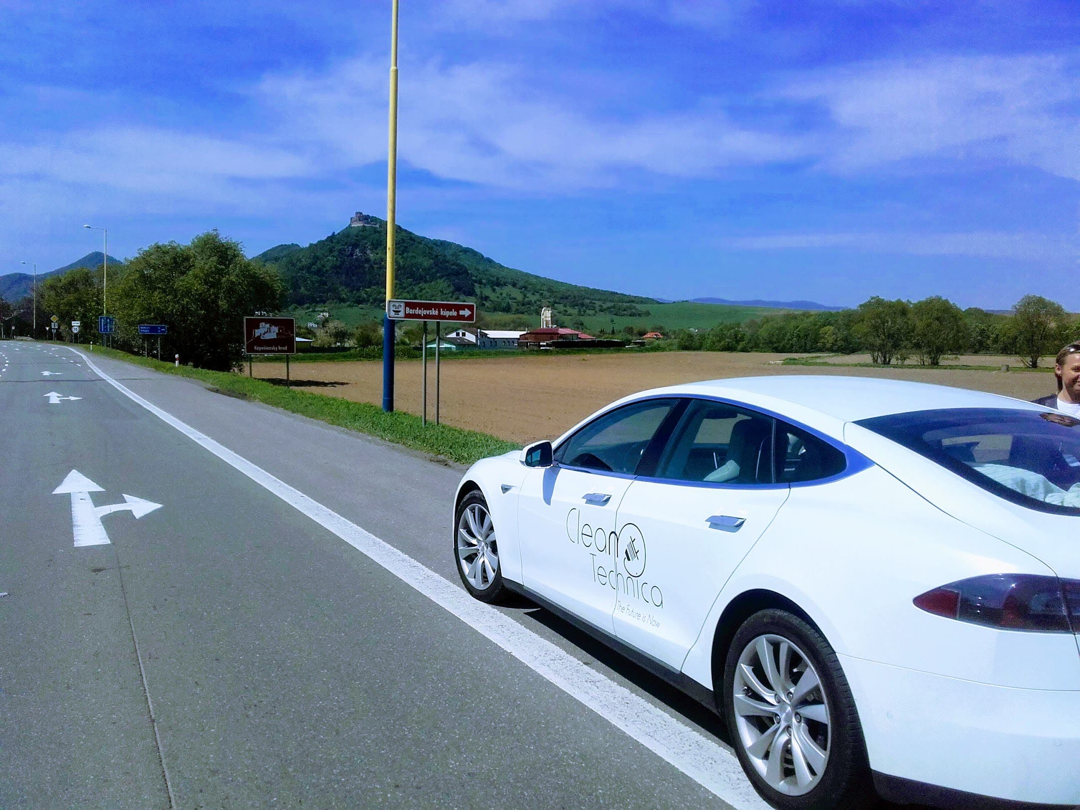 As Teslas And Other Electric Vehicles Have Become Por A New Genre Of Road Trip Narrative Has Developed We Ve Reported On Many These Odysseys