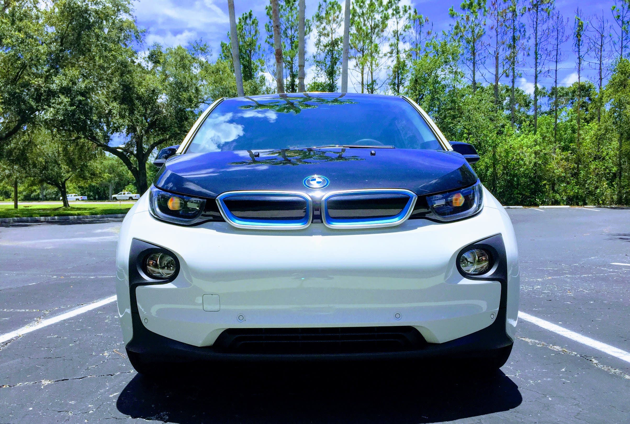 That S Not How The I3 Feels Tiny Profusely Light Has A Sporty Super Fun Superfood Fueled Acceleration