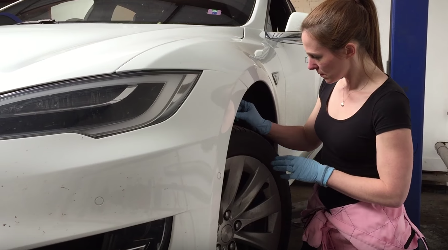 How Do You Service A Tesla? (Watch This Video) | CleanTechnica