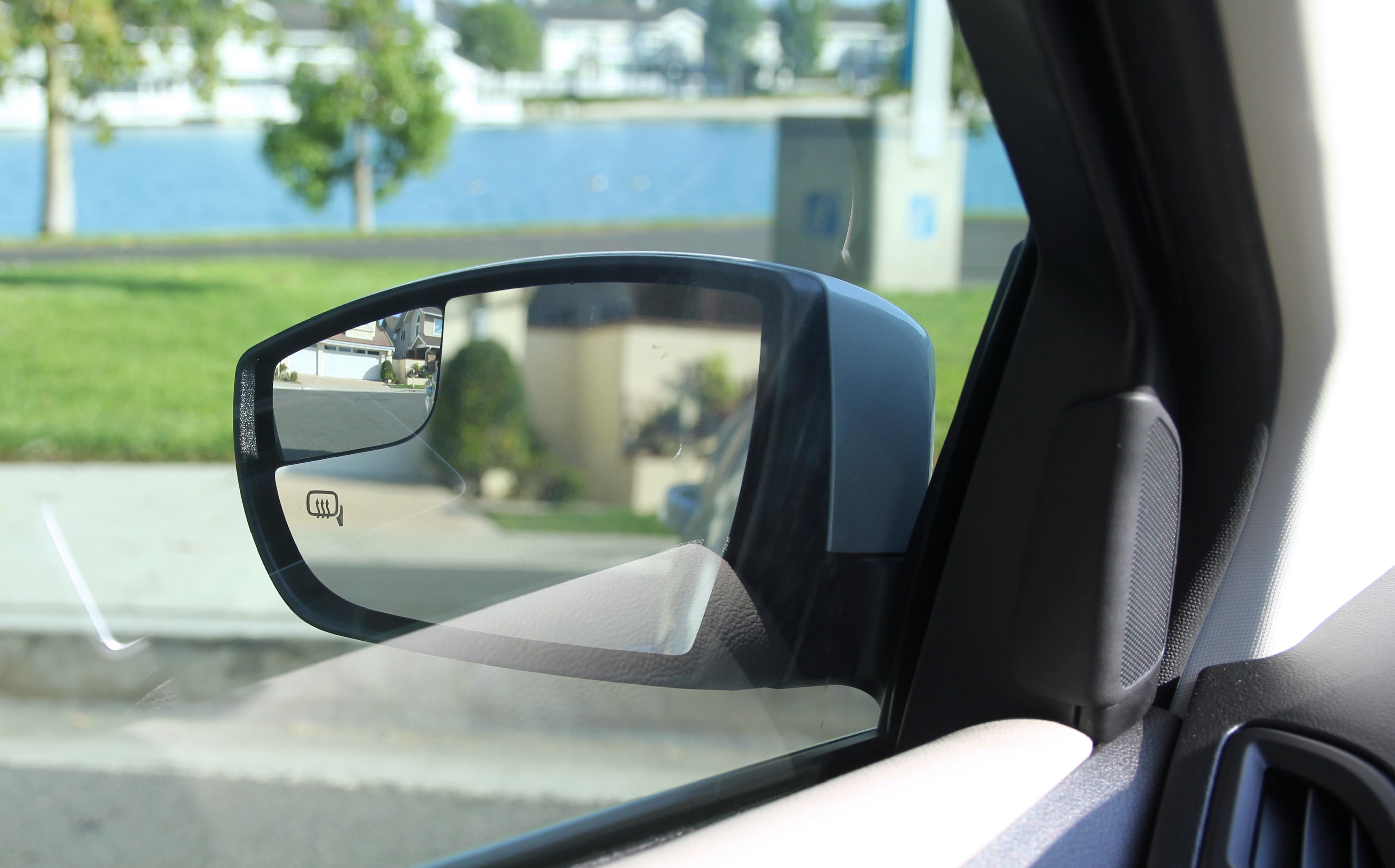 Ford Focus Electric mirror
