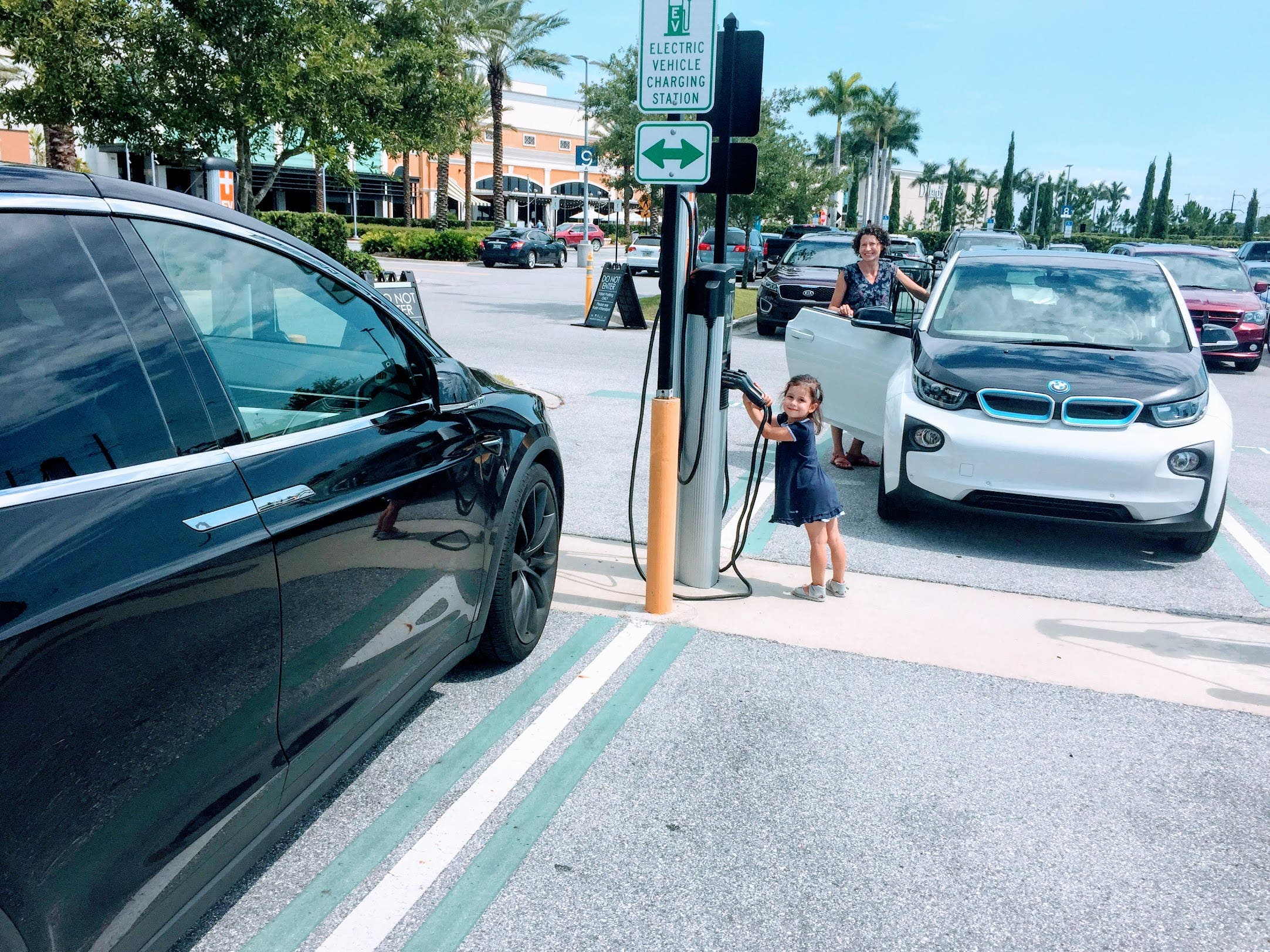 It S Nicely Designed To Find Chargers And Explore Which Local Businesses Organizations Are Awesome Ev Charging Leaders