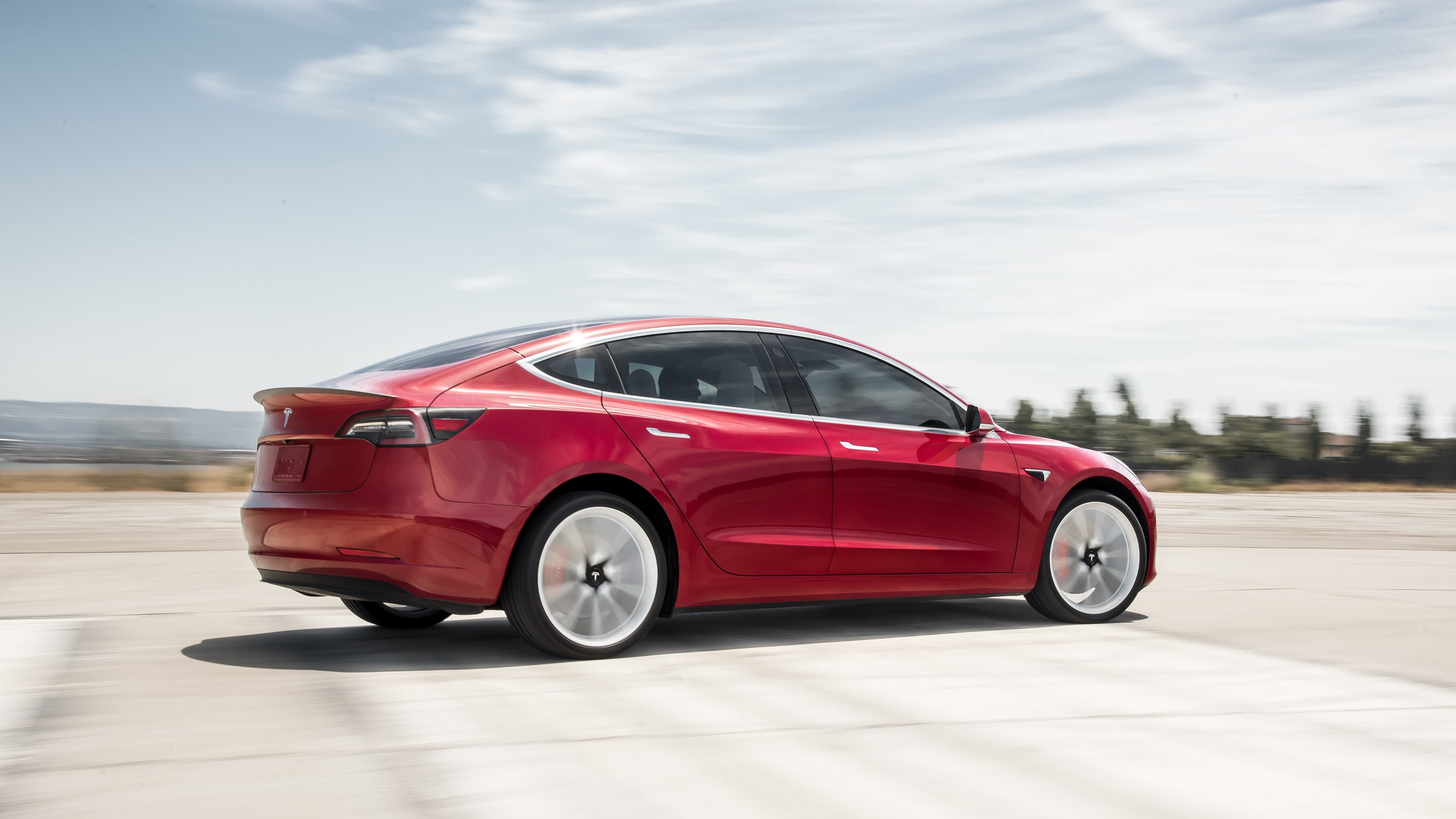 Hundred Miles Behind The Wheel Of Our New Model 3 I Was Eager To Get Some Time In Pit Performance Edition Compare Two