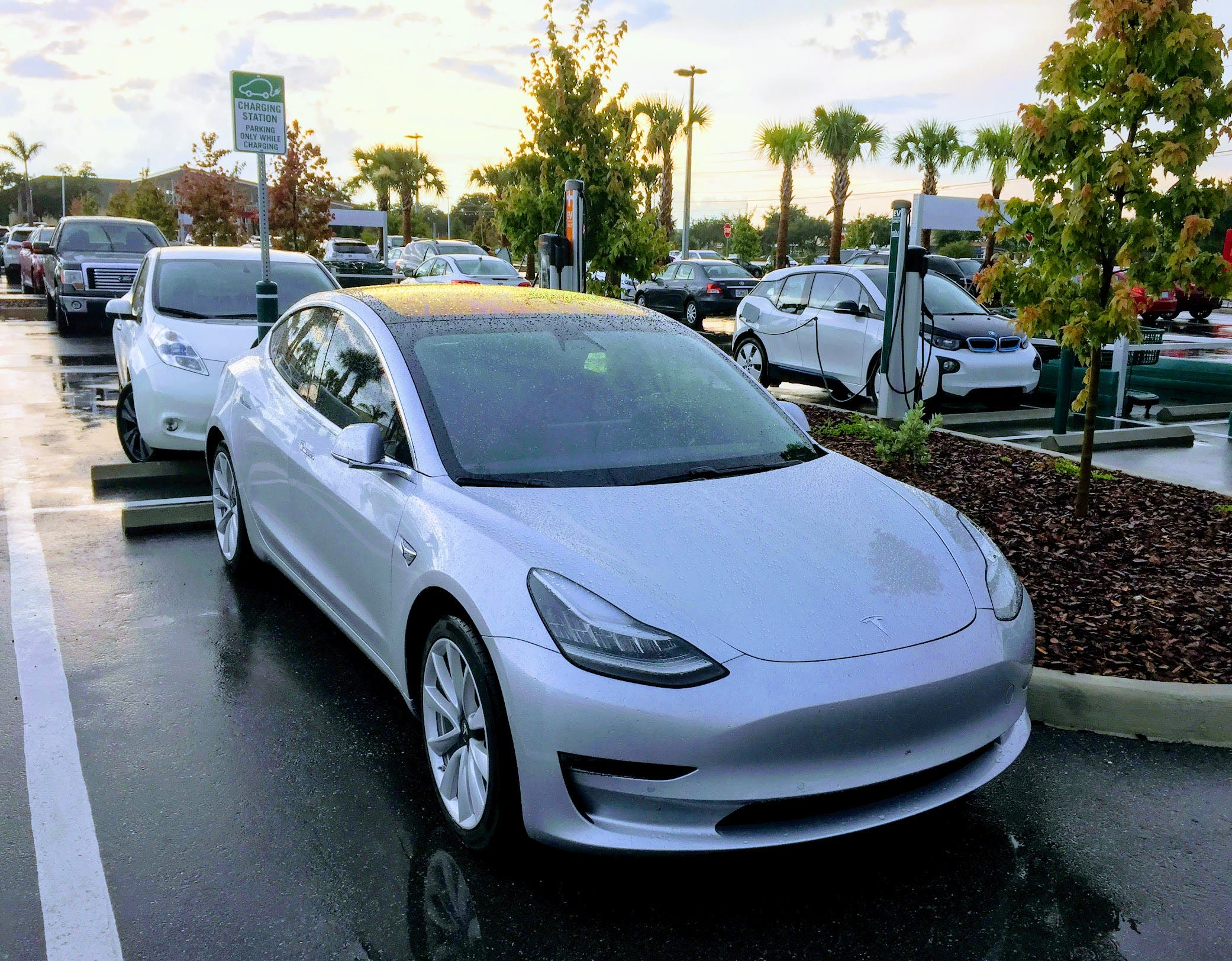 The Stories That Caught Eye And Imagination Most This Past Week On Cleantechnica Included An Original Ysis Used Tesla Model 3 Prices Vs