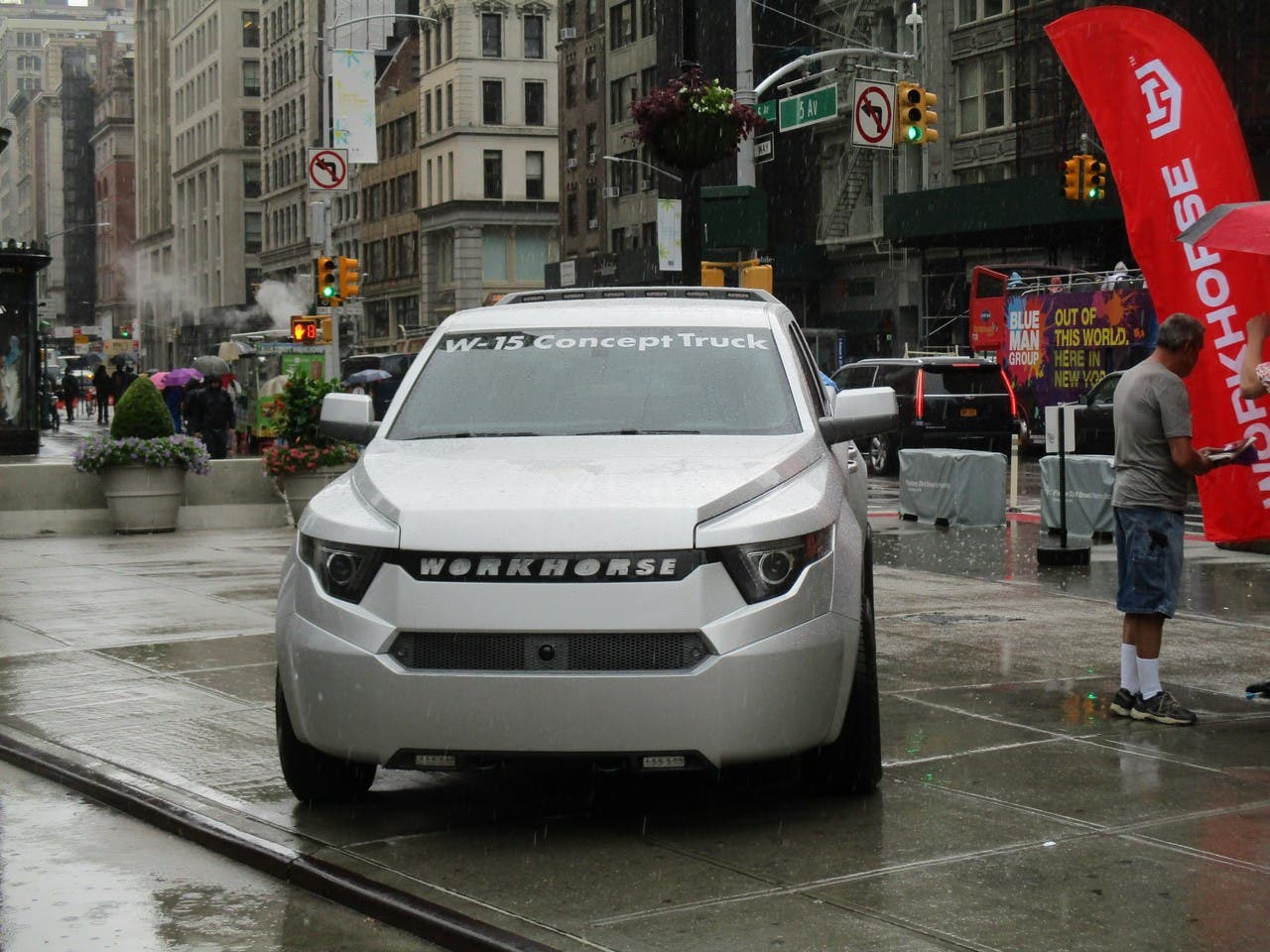 Workhorse W-15 & SureFly Electric Vehicles Take New York City By ...
