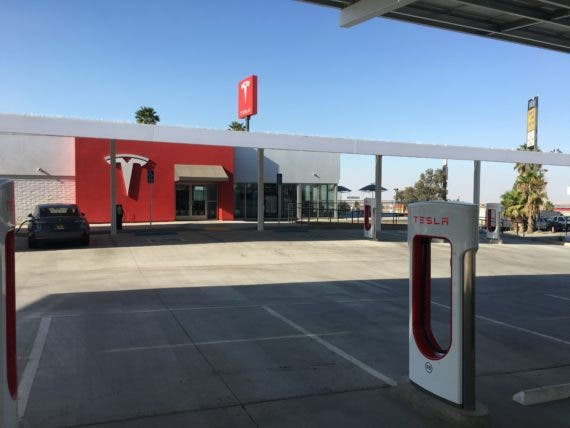 Tesla Kettleman City Supercharger - view of lounge from charger stall