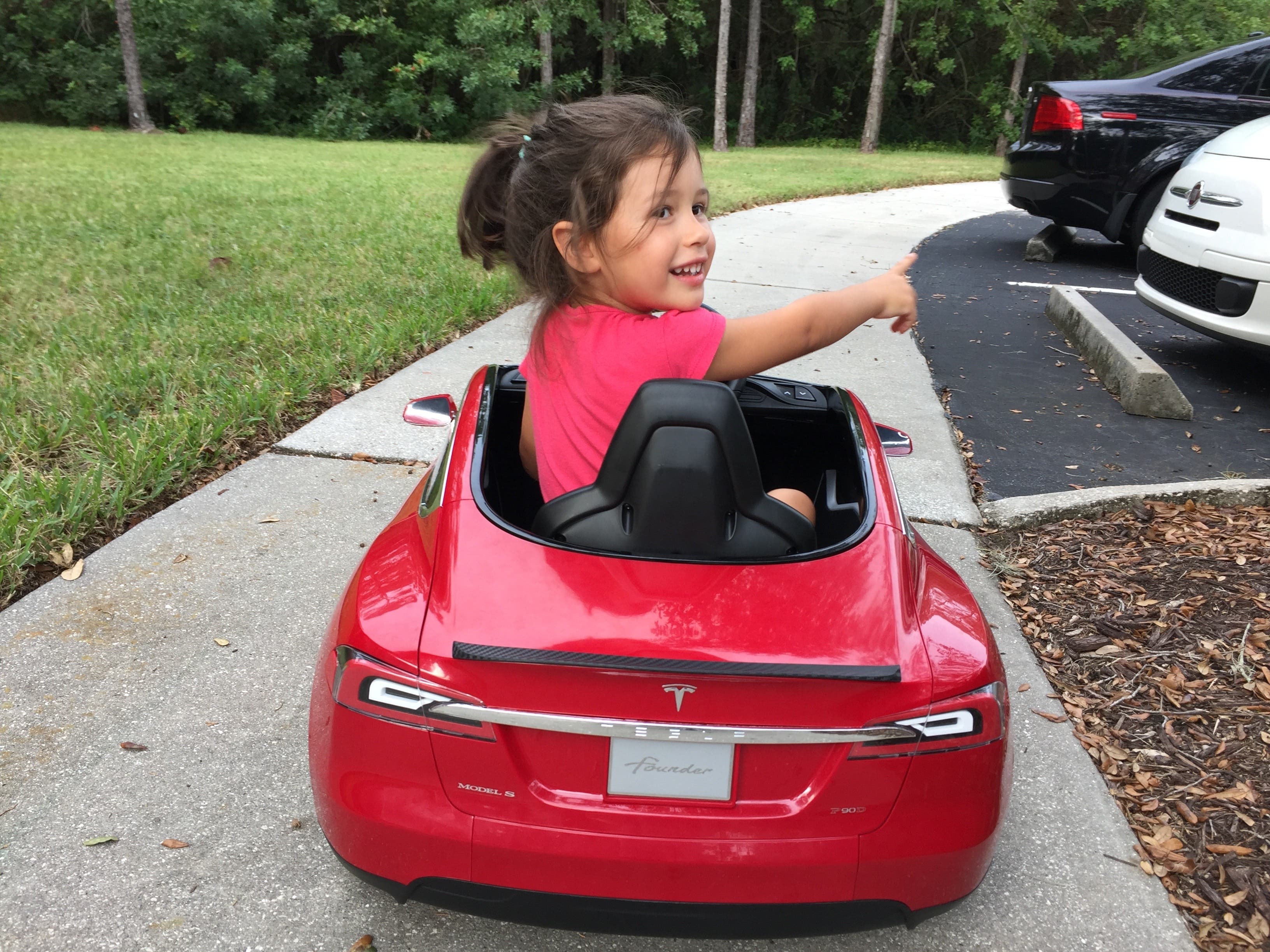 Even A 2 Year Old Kid Can Learn To Drive Electric Mini Tesla Review