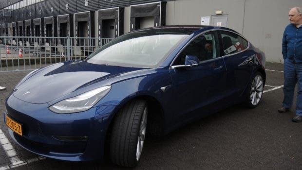 Tesla Model 3 in Tllburg