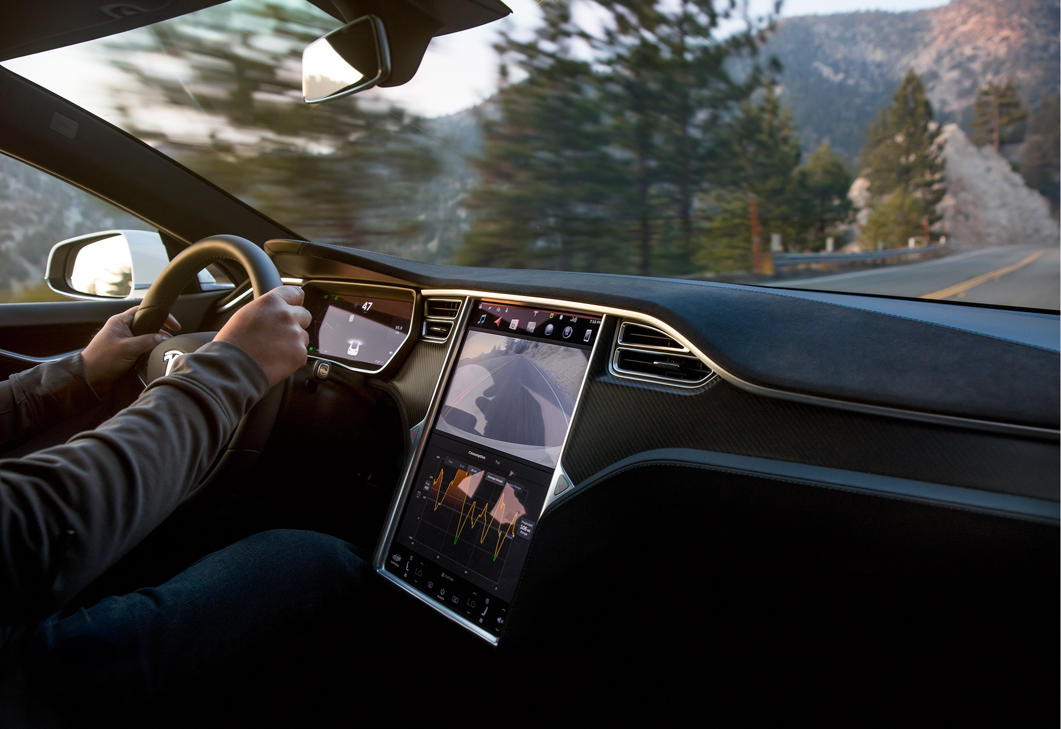 Tesla's Over-The-Air Software Updates Have Big Auto Playing