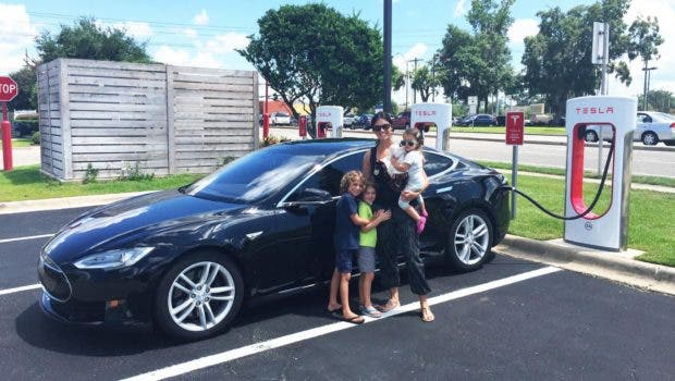 Tesla Model S 85D >> Teslas Drive 4–7× Further Than Other Cars Before Crashing — Q4 Tesla Safety Report | CleanTechnica
