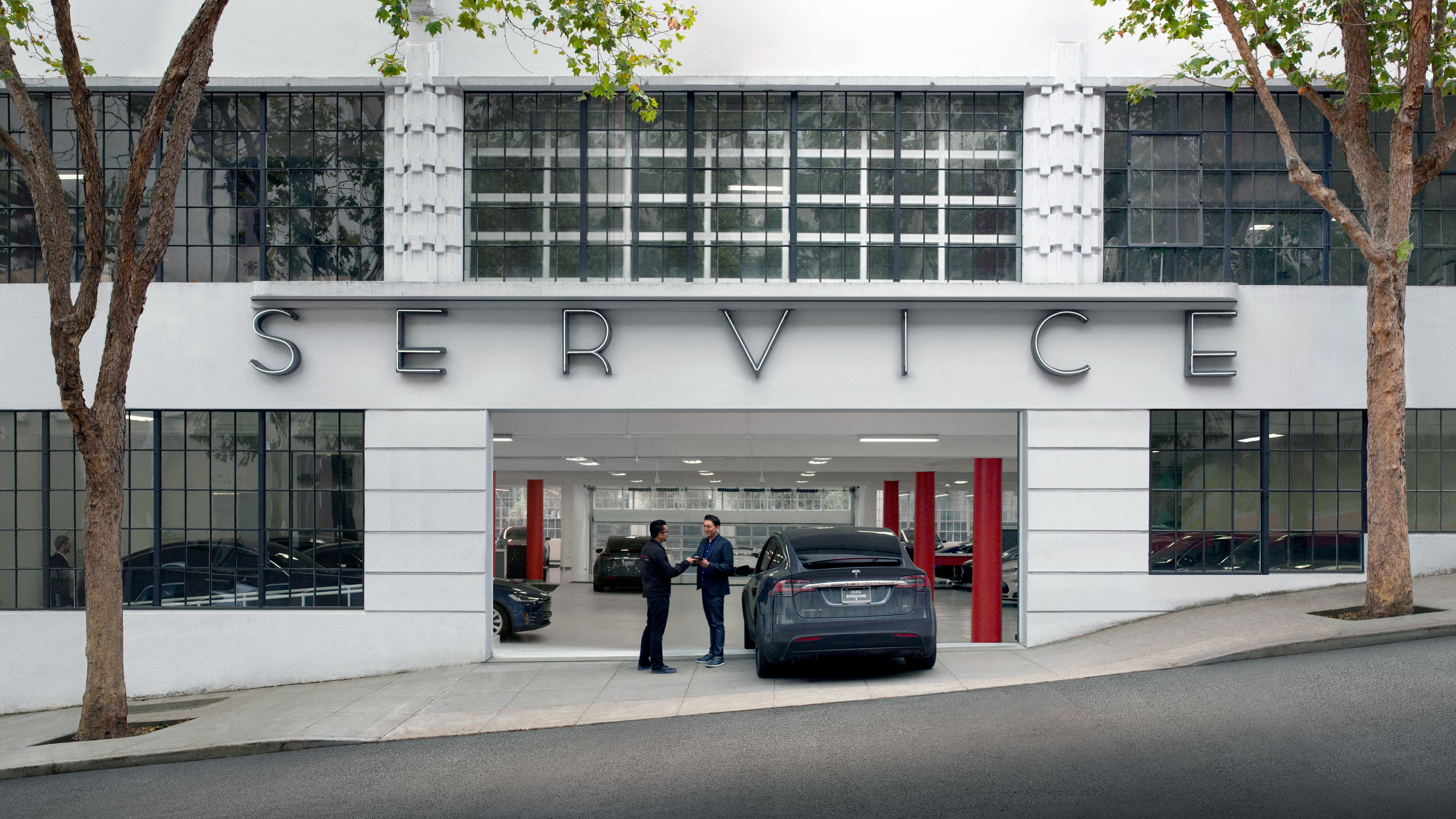 Tesla Service Struggles To Keep Up With S Volume