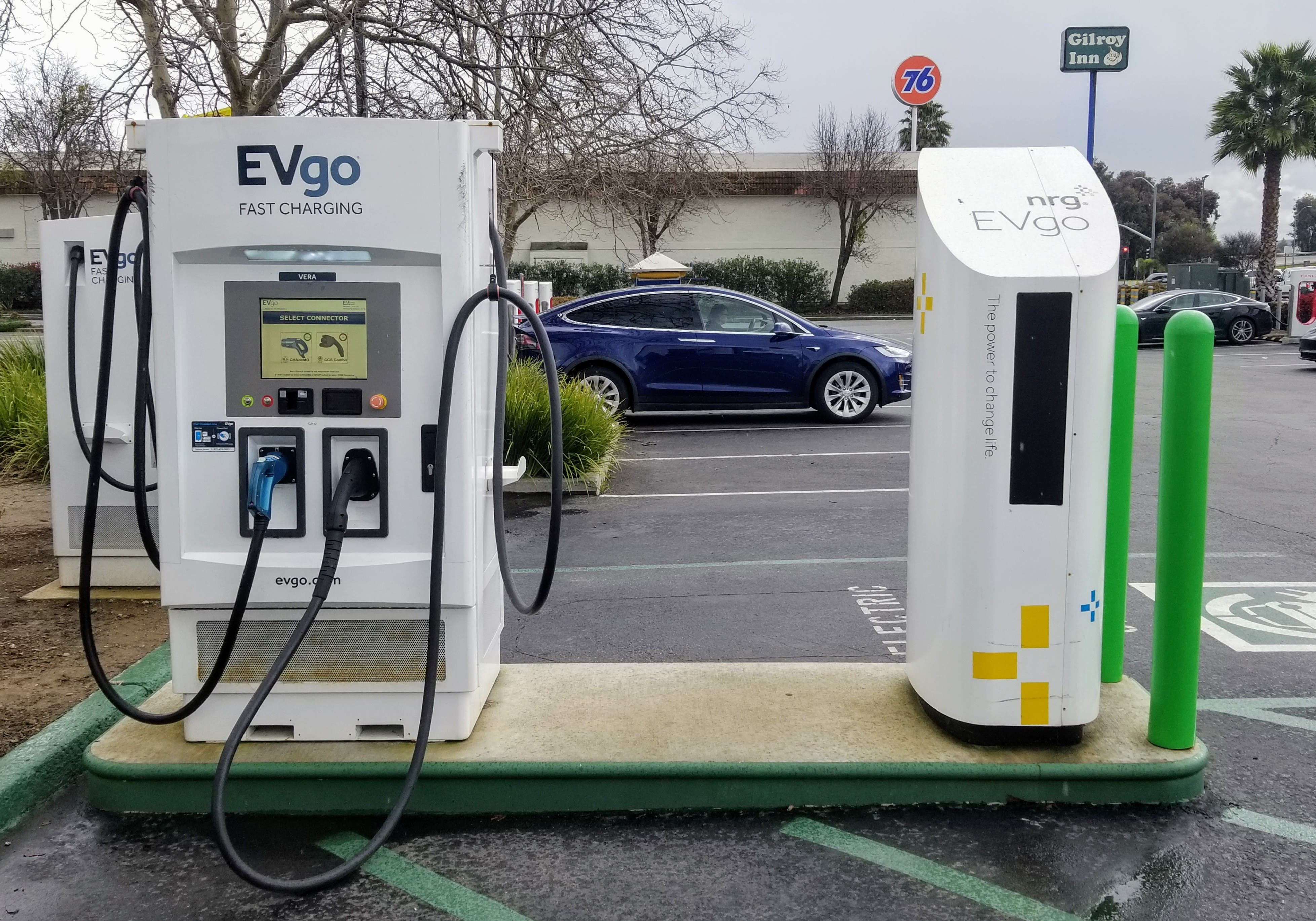 Evgo Charging Stations >> Chevron Dabbles In Ev Charging Installs Evgo Fast Chargers