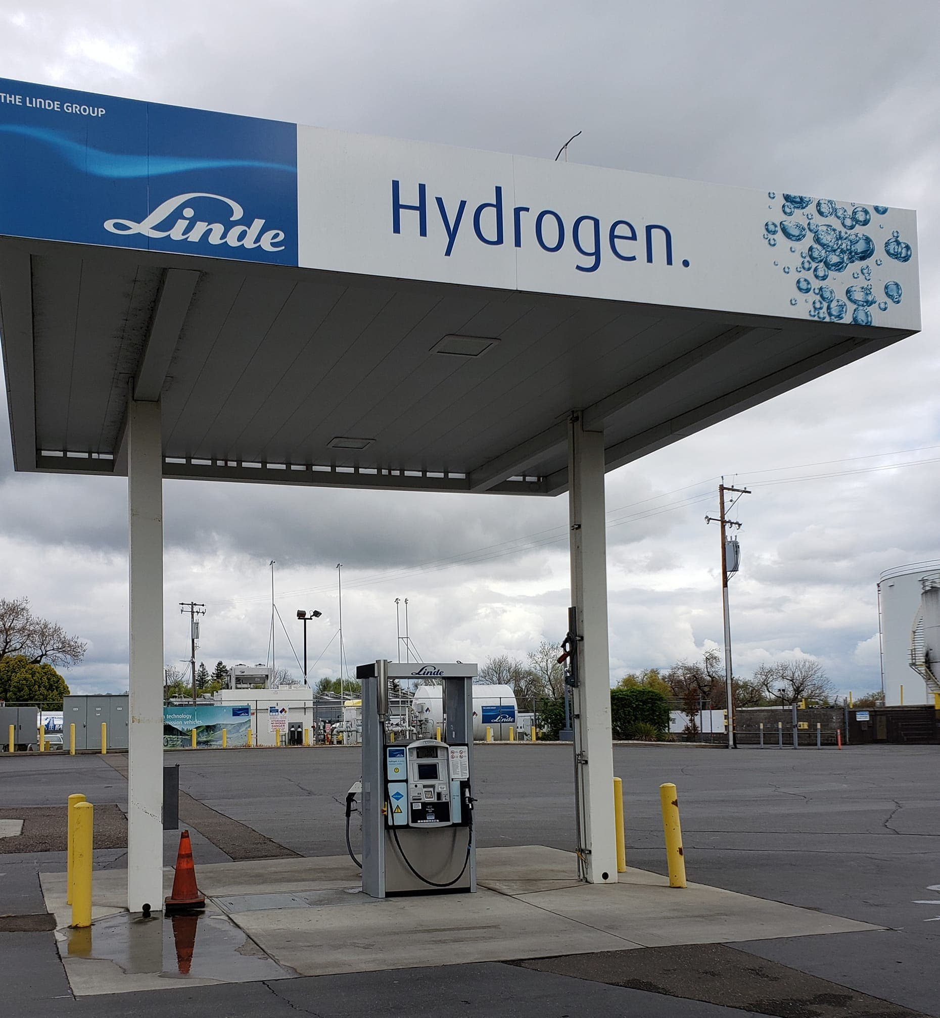 Hydrogen Cars Have 4× Annual Fuel Cost & 2–70× The Carbon Debt As Electric Vehicles