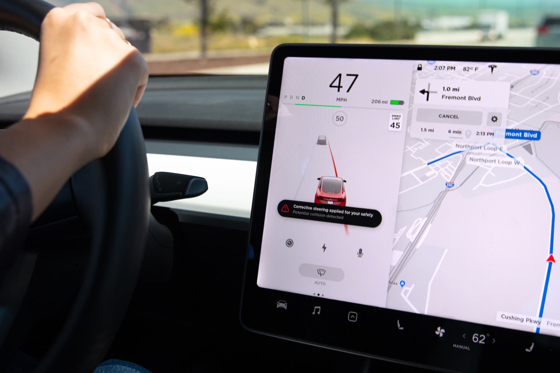 Tesla adds Lane Departure Avoidance that works when Autopilot is off