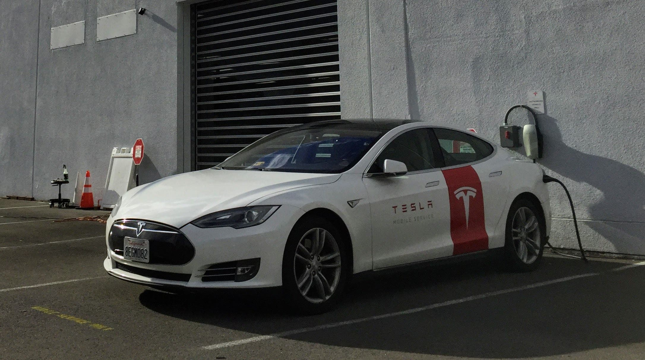 The Future Of Tesla's Mobile Service Fleet | CleanTechnica