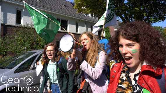 Climate Catastrophe Protests — In The Netherlands, The Kids Take Politicians Back To School