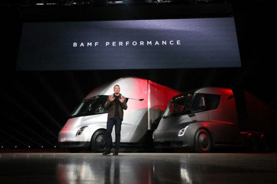 "Auto Expert Says Tesla Semi Is ""Pointless,"" Seems To Miss The Point 