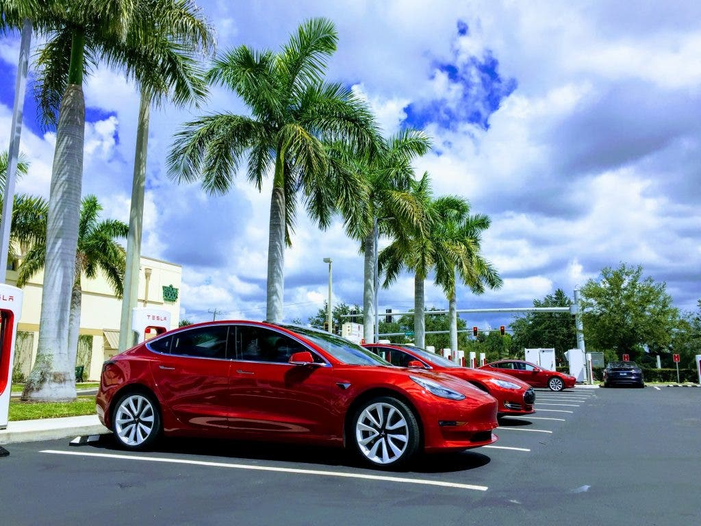 Tesla sedans regain recommended status in Consumer Reports survey