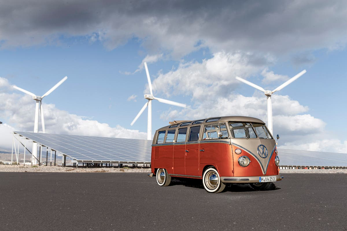 E Bulli Concept 1966 Vw Bus Meets The Electric Future