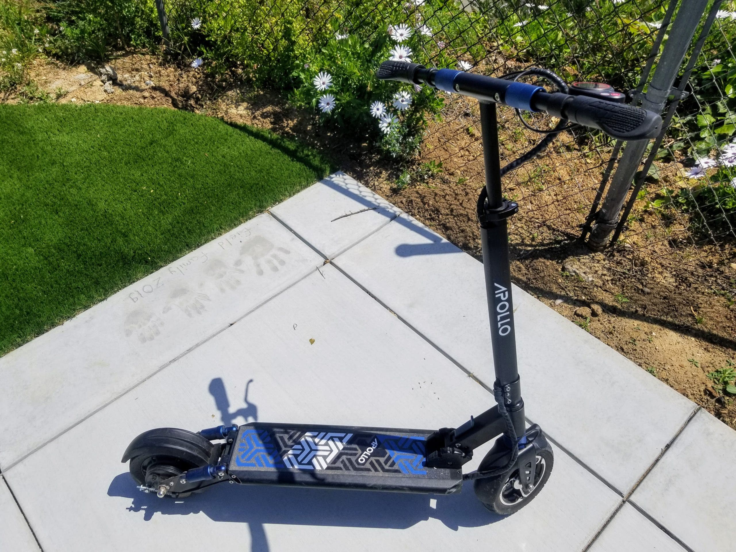 The Apollo Light electric scooter
