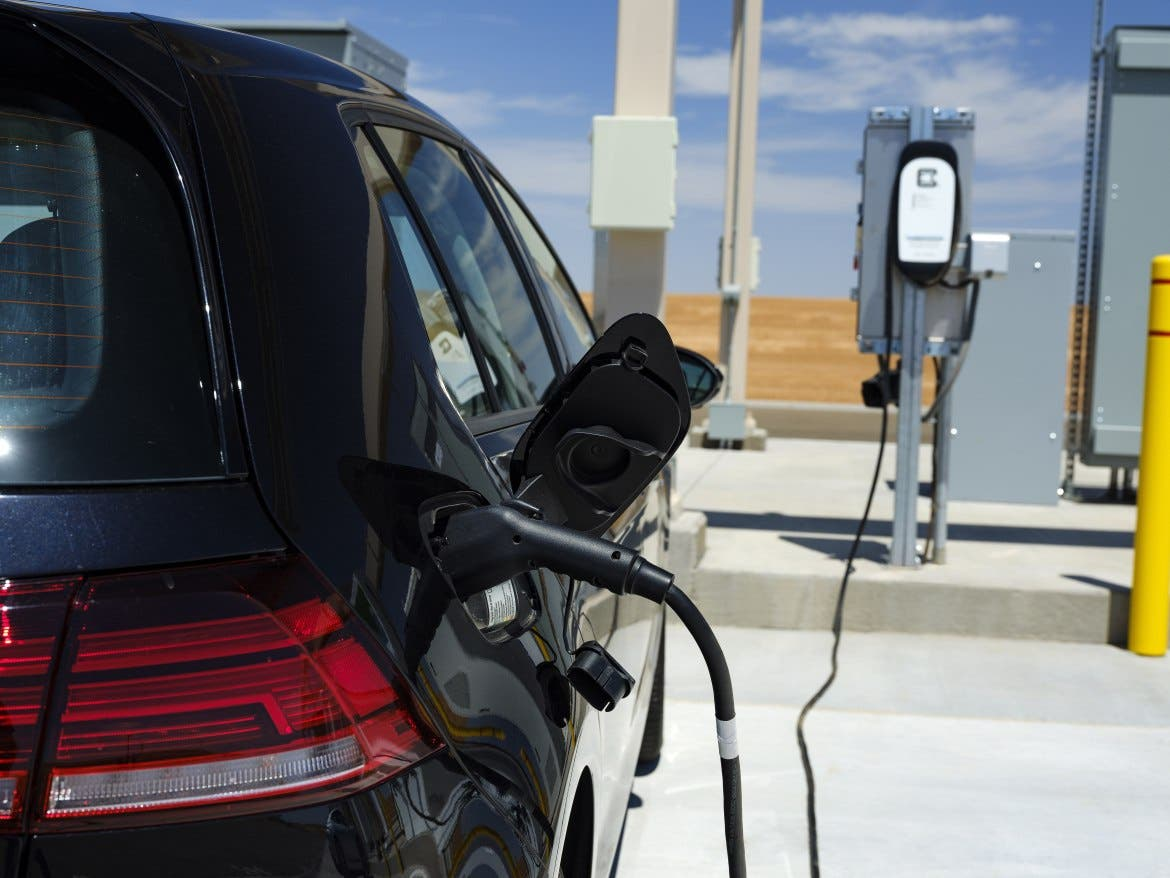 New York State Announces EV Charging Stations At New York State Thruway Park & Ride Commuter Lots