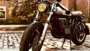 Custom electrified CB200 build and photo by Marlio Escobar