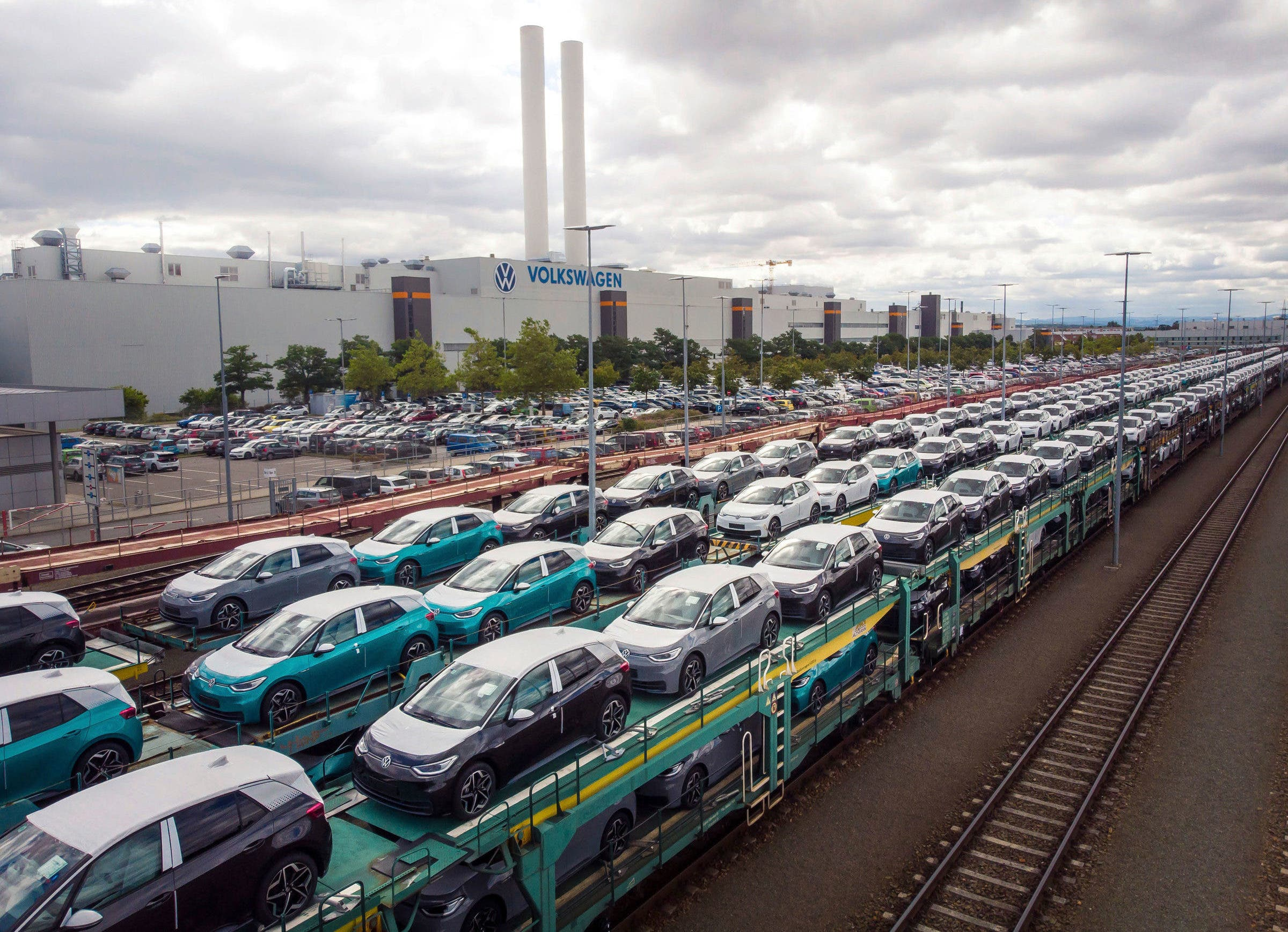 Volkswagen ships cars by train